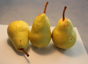 photo of 3 pears