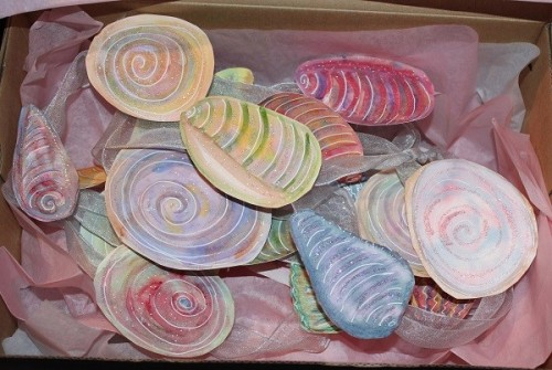 shell garland in box