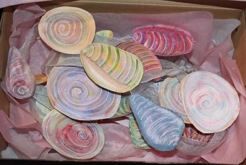 shell garland in box